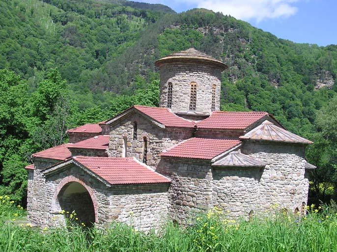 Аланская церковь - одна из первых православных церквей в России