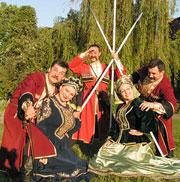 Чувство национальной гордости должно сопрягаться с углубленным знанием этнических культур и истории этносов, населяющих Россию и братские страны ближнего зарубежья