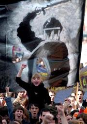 Русская власть была функцией политического самосознания народа, и народ устанавливал или восстанавливал ее сознательно, так же сознательно ликвидировал попытки ее ограничения