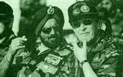 Российско-индийские учения ИНДРА-2005: министр обороны России Сергей Иванов и начальник штаба сухопутных войск Индии Джогиндер Сингх