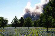 Америка, тебе что, мало военных кладбищ? (На фото: кладбище у Пентагона 11 сентября 2001)