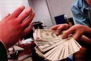Некоторые представители российской либерал-демократии, уже понимая, что просчитались в расчетах на поток американских денег, выделенных на
