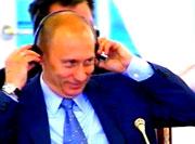 Смысл этого послания Путина обращен, скорее всего, к Западу. Президент старательно транслирует следующую мысль: курс на свободу и демократию взят нынешней властью всерьез и надолго