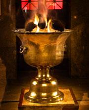 Иран может вспыхнуть в любой момент (на фото: ритуальный огонь, не угасающий 1500 лет; Зороастрийский храм огня, Атешкадэх, Язд, Иран)