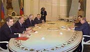 Владимир Путин встретился с лидерами думских фракций и выслушал их жалобы